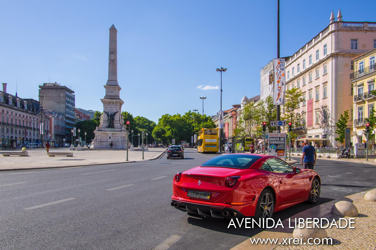 Avenida da Liberdade is the main artery of Lisbon, the street connecting to Baixa de Lisboa, a place of culture, commerce, offices and luxury hotels in Lisbon.