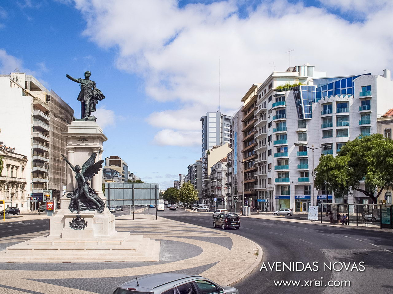 Avenidas Novas is the residential center of the middle, upper-middle and upper class of the city of Lisbon that grew in the late 19th and early 20th centuries with the expansion of the city of Lisbon to the north