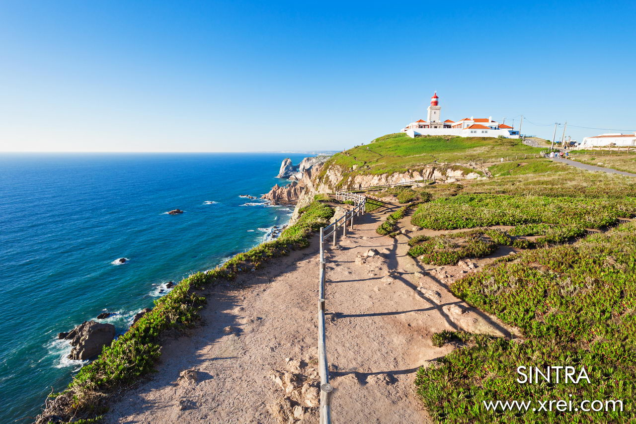 The Cabo da Roca lighthouse is an important signaling point for navigators passing through coastal waters.