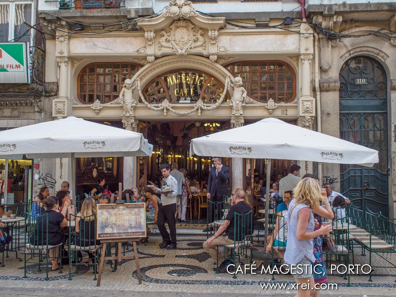 Café Majestic, un café histórico ubicado en la Rua de Santa Catarina, una de las atracciones de la ciudad de Oporto, ha sido frecuentado por varias figuras importantes a lo largo de la historia.