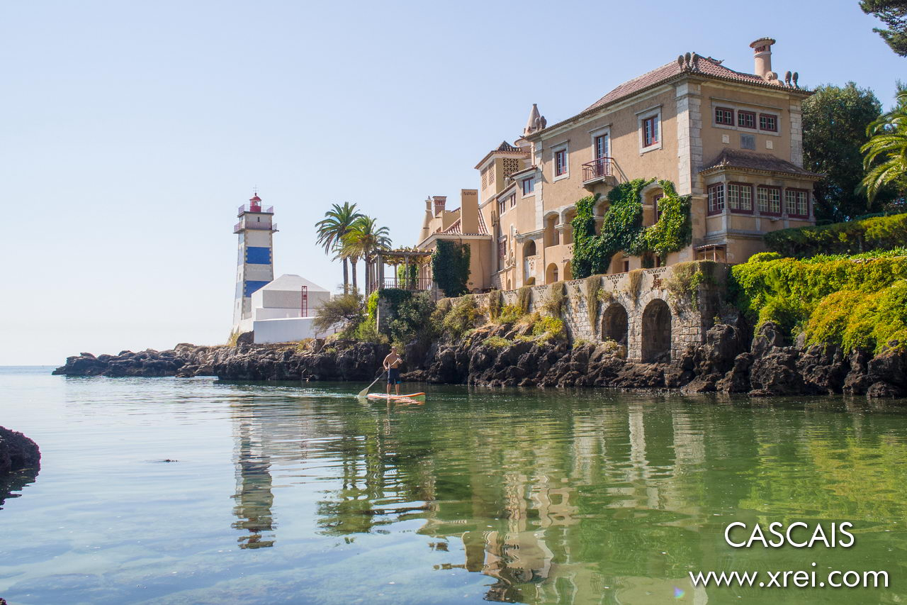 Casa de Santa Maria is a construction from 1902, a symbol of Cascais due to its architecture and location in Santa Maria cove, close to Santa Maria Lighthouse