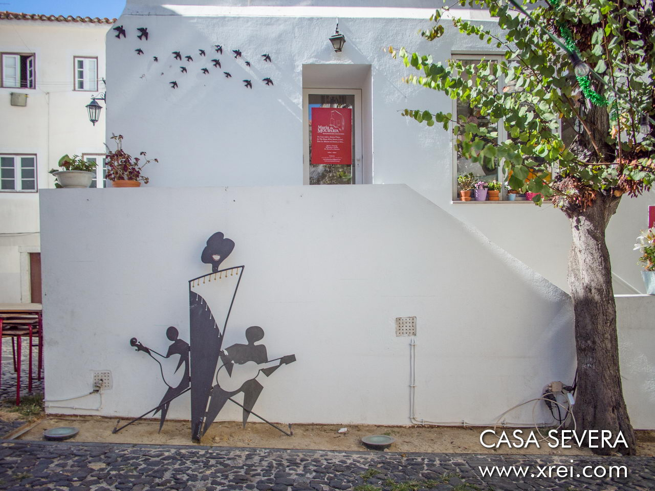 Casa da Severa is an extension of the Fado Museum, where you can listen to fado and get to know the life of Maria Severa Onofriana