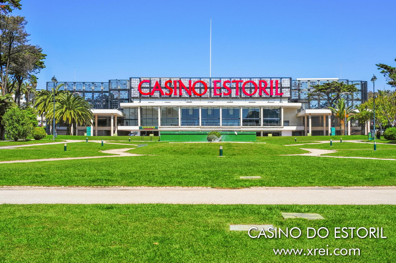 Casino do Estoril has for many decades been one of the great cultural attractions of Greater Lisbon, being the traditional stage for shows by international artists, known for glamorous parties, and for the refined public. In addition to the game rooms, art gallery and auditorium, Casino do Estoril is a place for parties and events of great institutions and prestigious brands, regularly attracting visitors from all over the world.