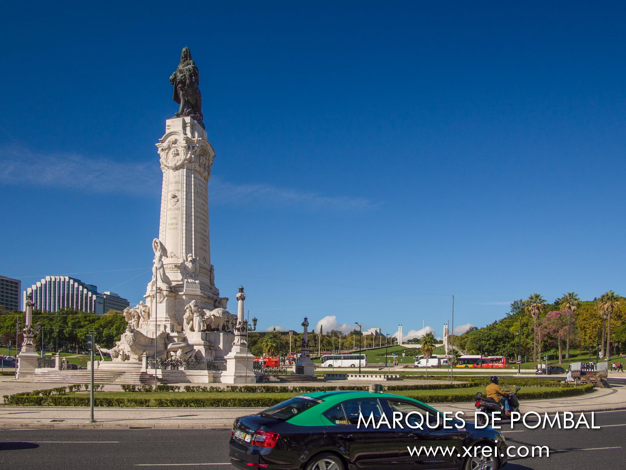 Praça Marquês de Pombal is the largest roundabout in the city of Lisbon, located between Avenida da Liberdade and Parque Eduardo Sétimo. In the center of the roundabout there is a square with the statue of Homage to the Marquis of Pombal located on top of a monument 40 meters high.
