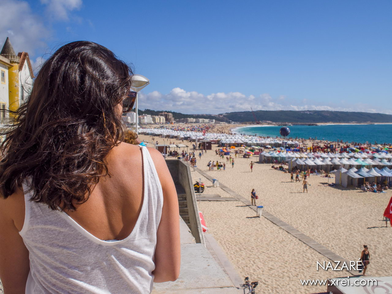 Praia da Nazaré, located in the lower part of the village of Nazaré, with a coastal avenue and an extensive sandy beach with a magnificent landscape of the Atlantic Ocean