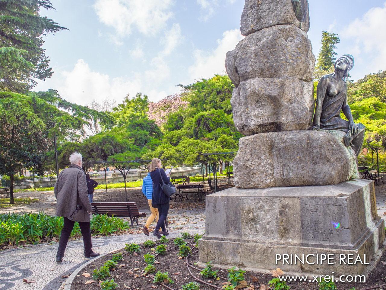 Princípe Real é um bairro conhecido pelas lojas e pelos palacetes dos séculos XVIII e XIX, situado no topo de uma das colinas de Lisboa, faz fronteira com o Bairro-Alto, o bairro da Estrela, e a Avenida da Liberdade.