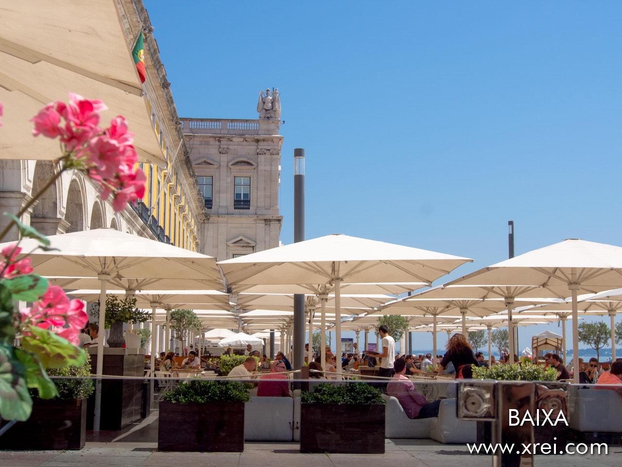 Terraces of Terreiro do Paço restaurants, overlooking the Tagus River